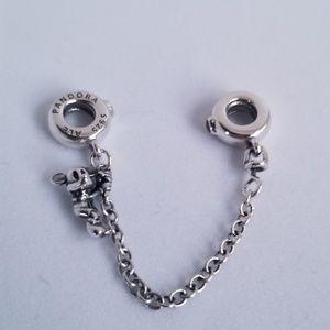 Pandora Disney Climbing Mickey Safety Chain Silver